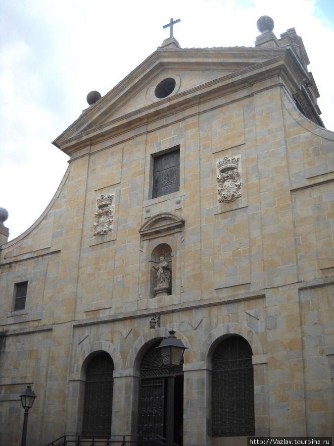 Фасад монастырской церкви