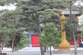 Небольшой храм в центре Чанчуня.