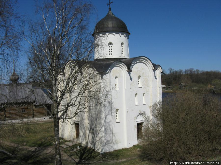 Храм внутри крепости