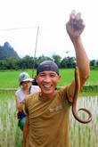 Угрей ловят прямо на рисовых чеках