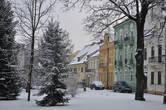 Зефирно-нарядным домам — на границе со  старинным парком — с их фасадами арт нуво (здесь говорят