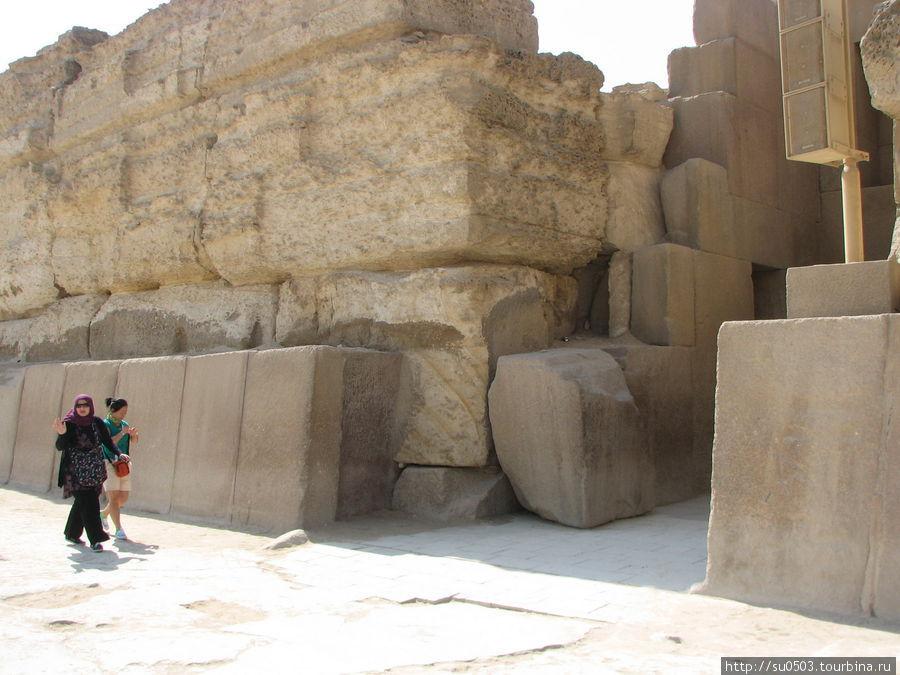 Гранитный храм снаружи