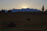 Шенелю в последних лучах заходящего солнца
