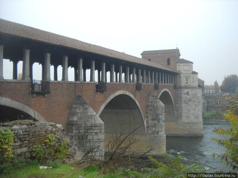 Новый мост на остатках старого