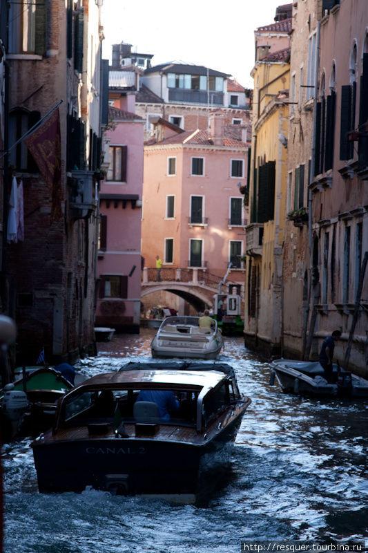 Каналы Венеции, RIO CORNE