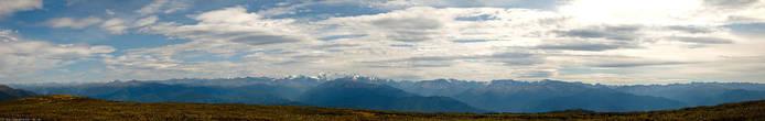 Вид на Белуху и Катунский хребет с Тургундинского плато http://farm7.static.flickr.com/6113/6272398179_cb9a6fcdfd_o.jpg — можно рассмотреть панораму