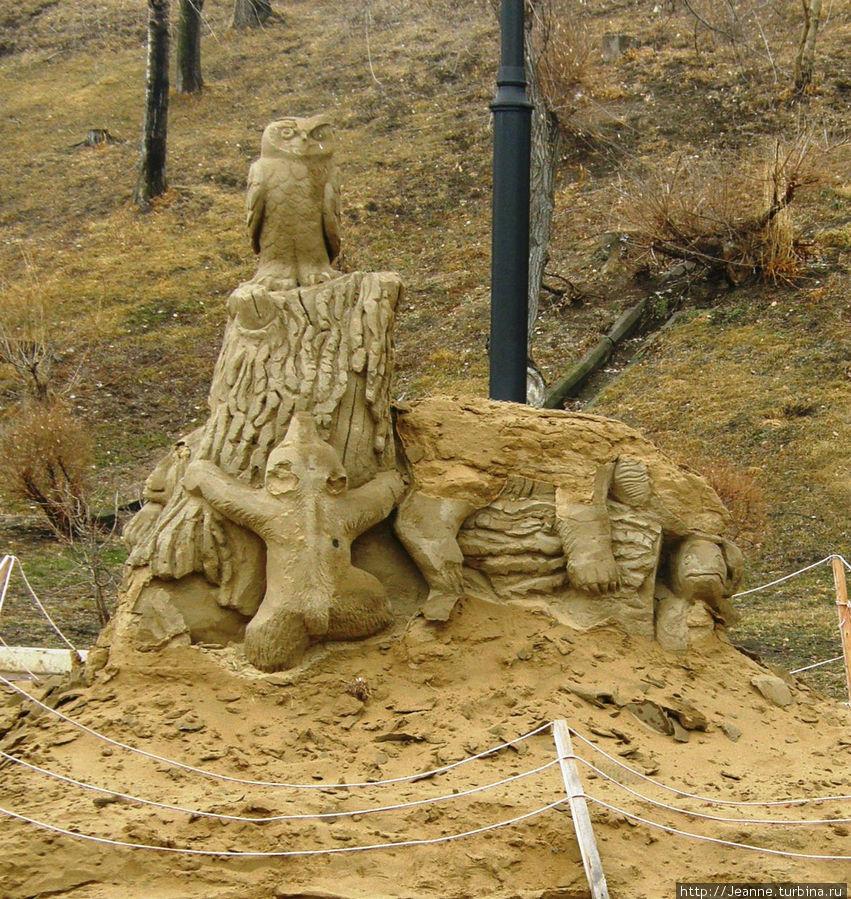 Скульптура из песка на набережной — зиму пережила!!!