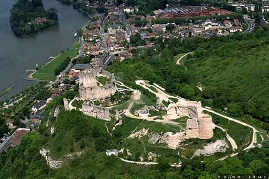 Шато-Гайар, так крепость выглядит в наше время.