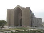 мавзолей недостроенный главный портал