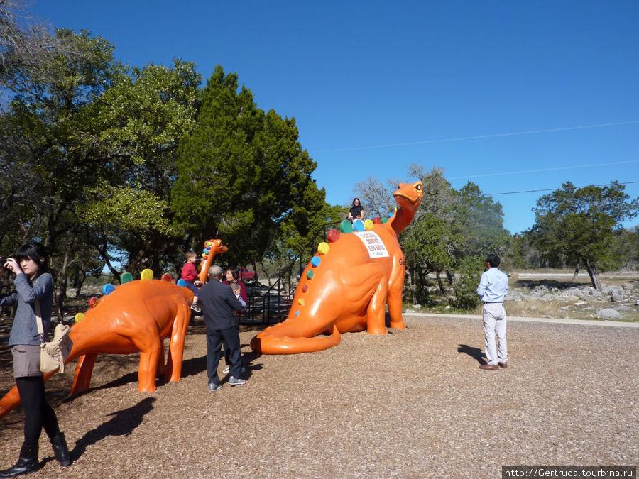 Динозавры на радость детям