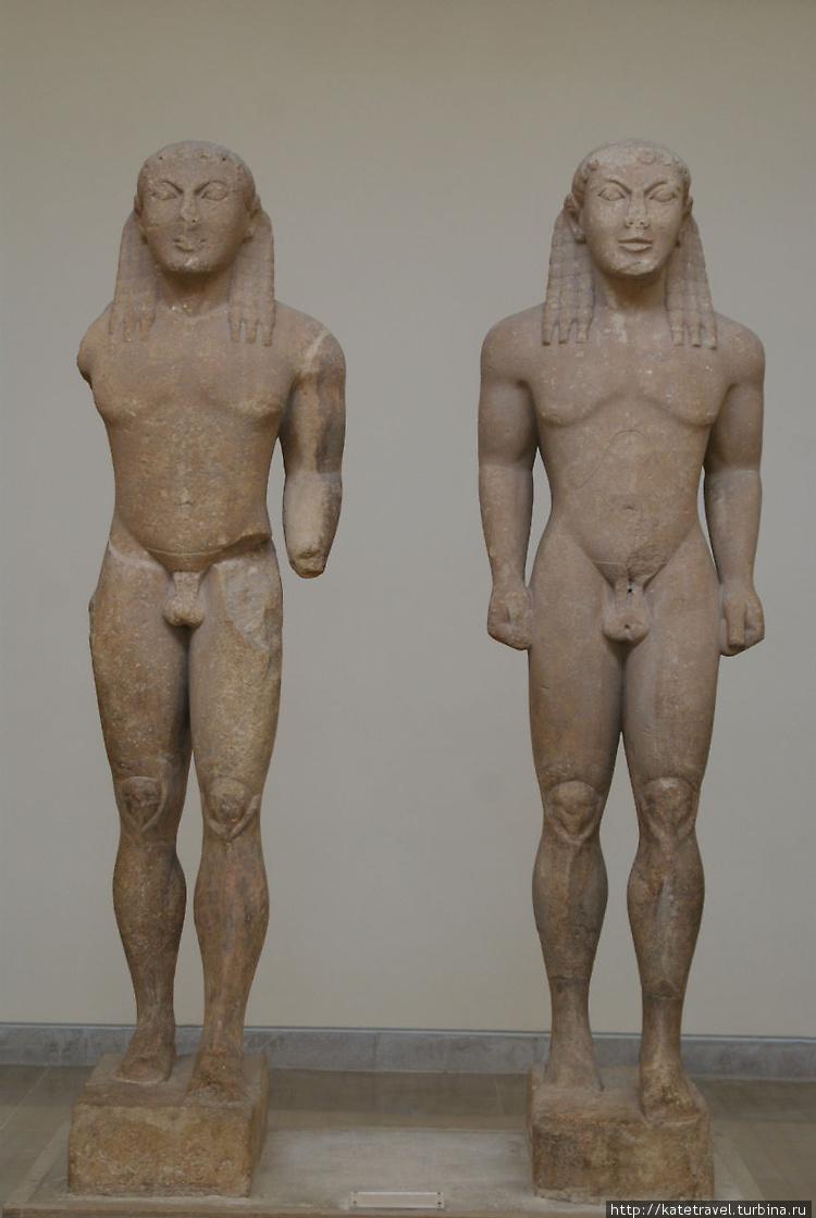Скульптуры братьев из Арг