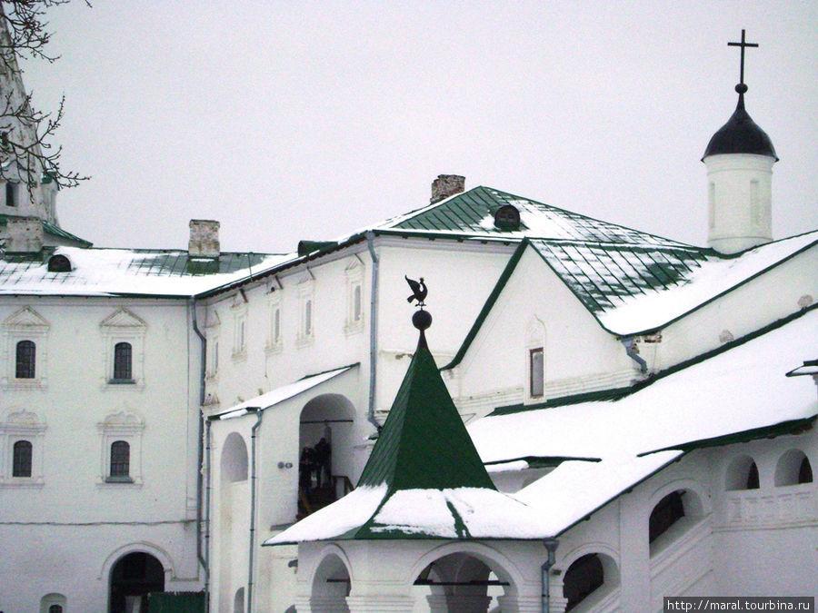Архиерейские палаты. Епископские палаты с домовой церковью