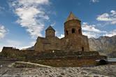 Церковь действующая, в 18-ом веке здесь даже укрывали крест Святой Нино — символ Грузии.