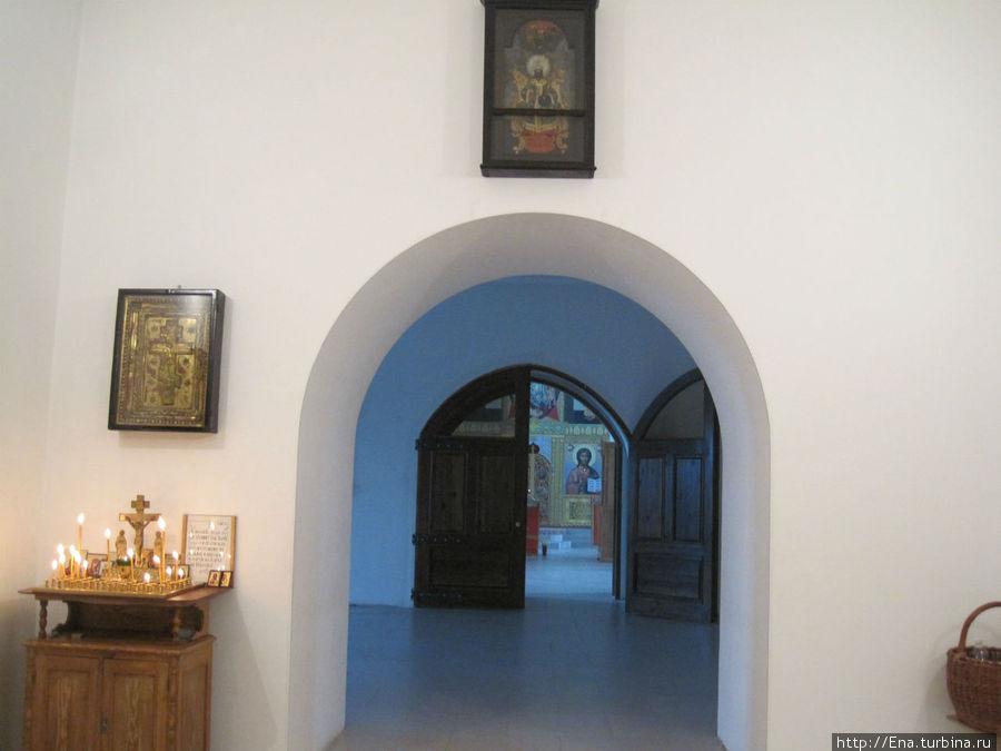 В стенах Троицкого собора