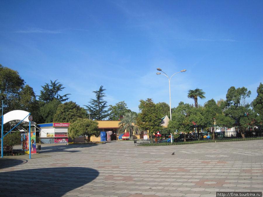 В парке культуры и отдыха на ул. Ромашек
