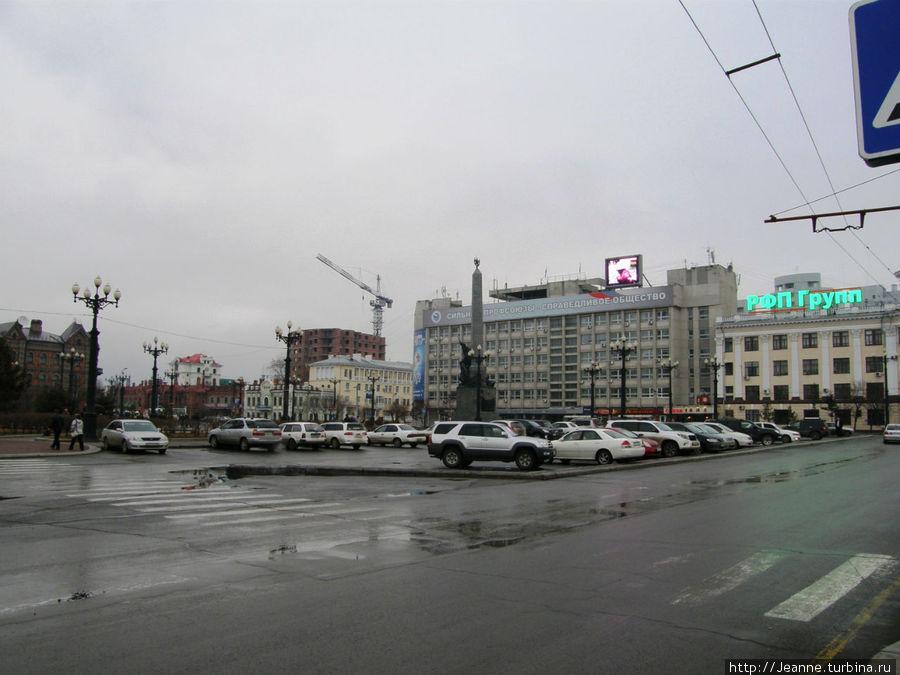 Вид на Комсомольскую площадь.
