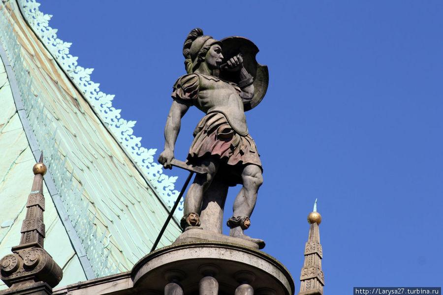 Воин на крыше Бремен, Германия