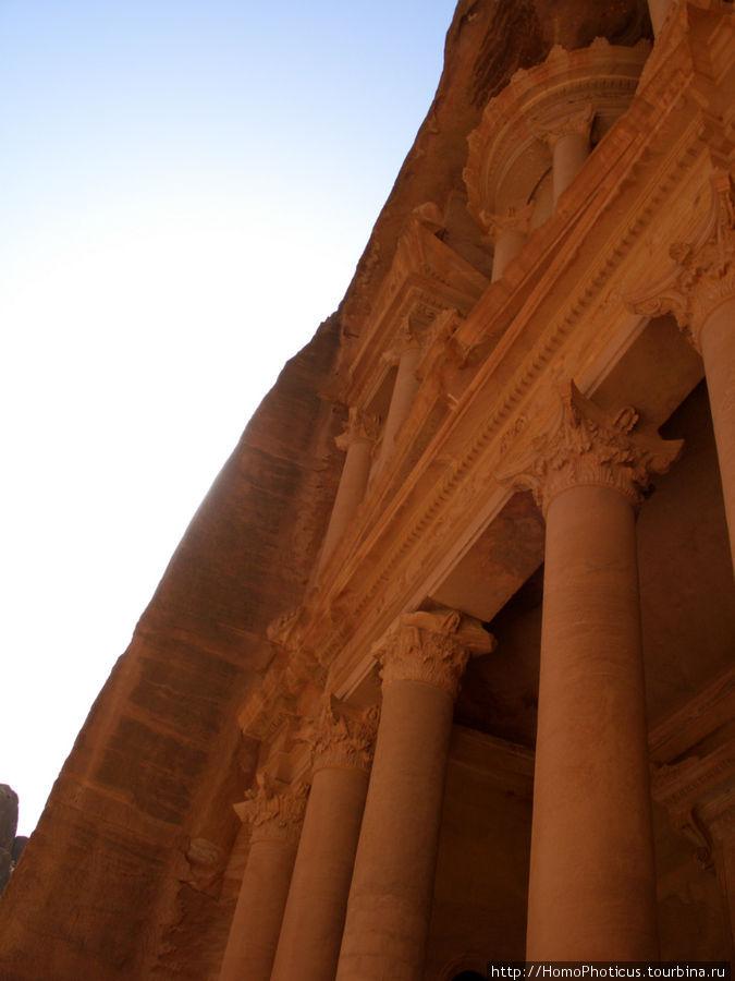Руины красного песчаника Петра, Иордания