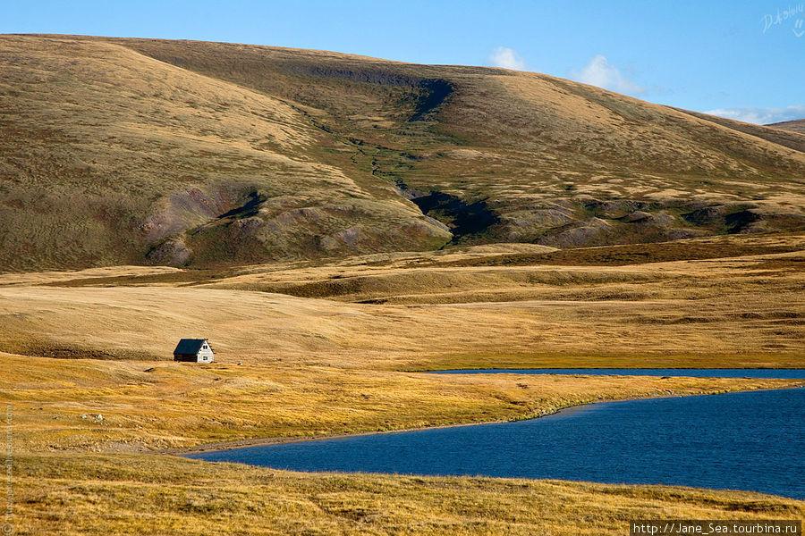 Тархатинское озеро. Говорят, здесь очень много хариусов.