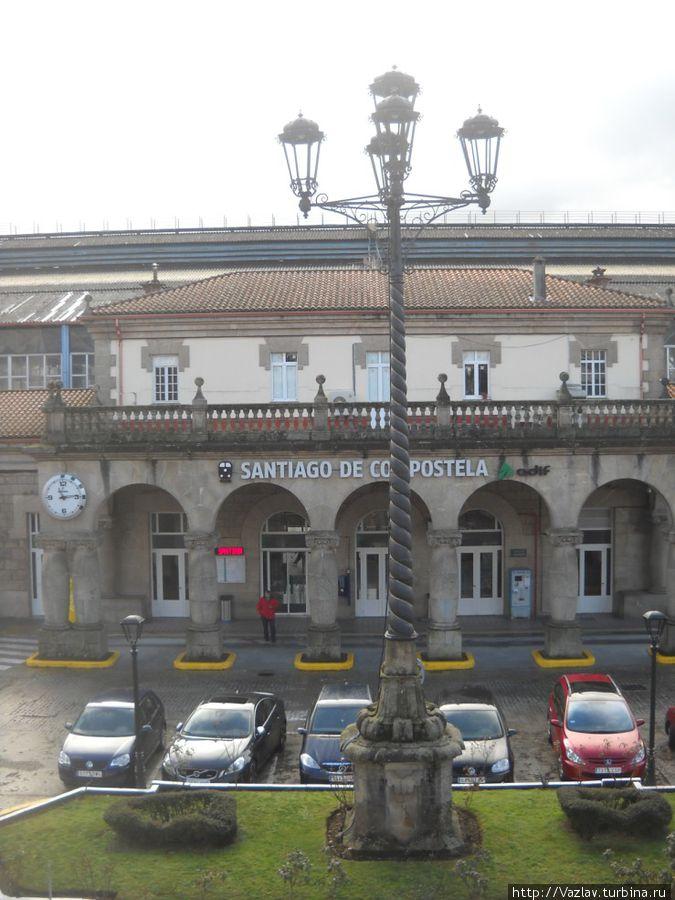 Вид на вокзал с автострады