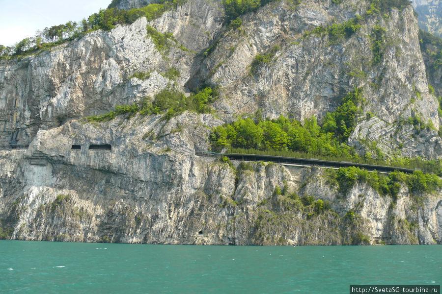 Вот еще какая то дорога в горах.