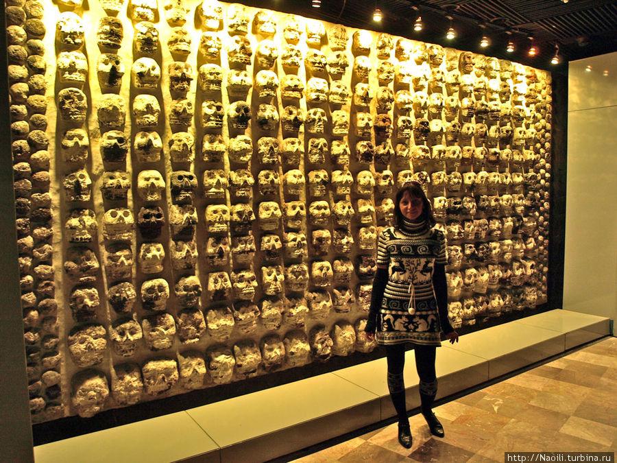 Стена черепов