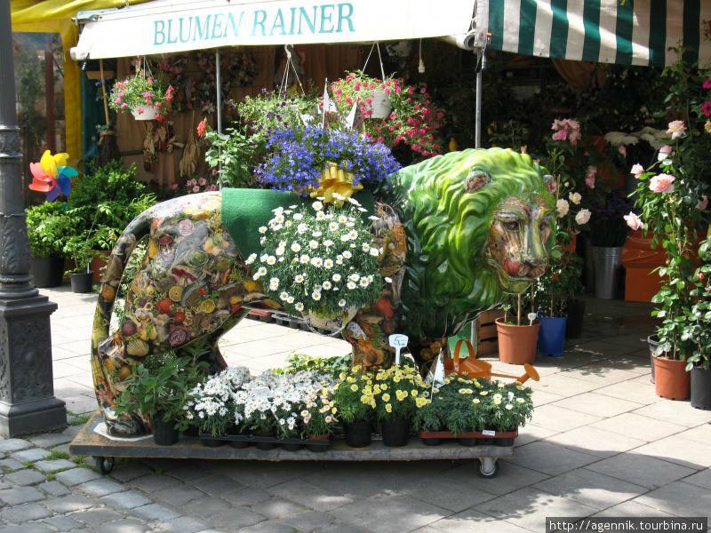 Баварского льва превратили в клумбу