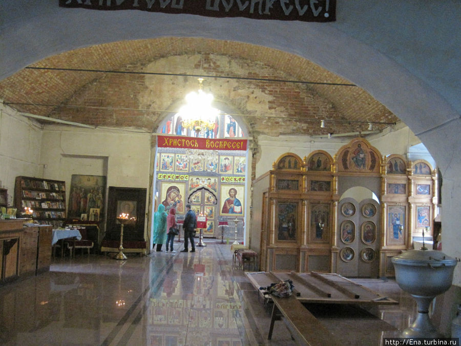 Успенская церковь в Пошехонье — внутреннее убранство