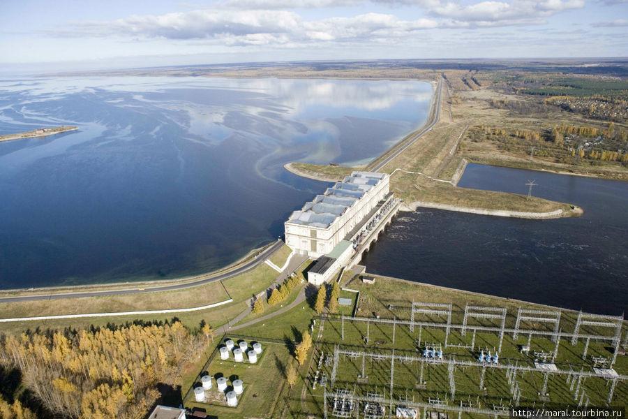 Рыбинская ГЭС с высоты птичьего полёта