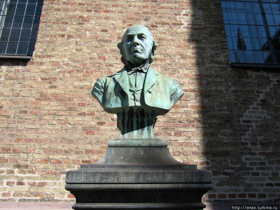 Бюст норвежского композитора, органиста и фольклориста Людвига Матиаса Линдемана (1812-1887)