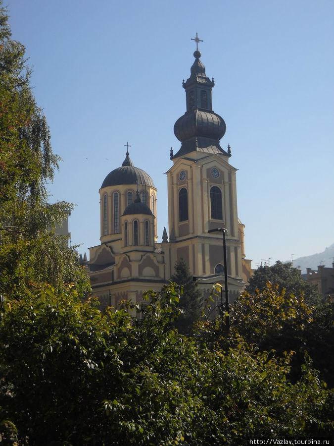 Дальний вид собора