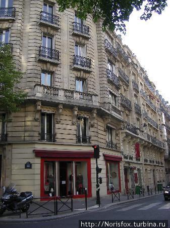 вид на отель с авеню Моцарта