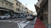 С той эпихи мало что изменилось в городе, разве что постелили красные дорожки на тротуары!