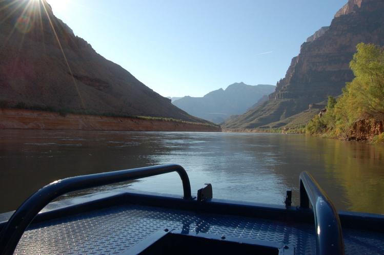 На лодке по реке Колорадо