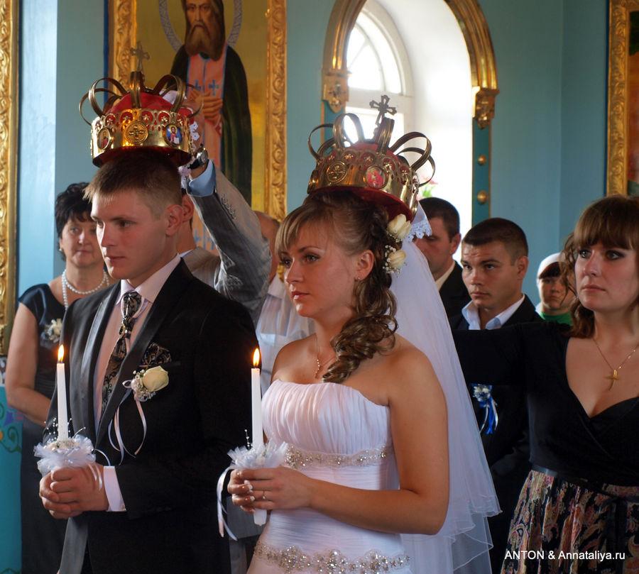 Венчание в сельской церкви.