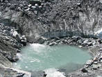 ледниковое озеро приглашает окунуться