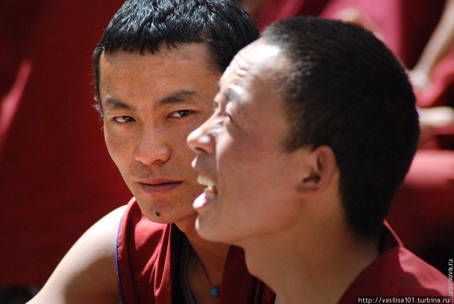 Диспуты монахов в монастыре Сэра Лхаса, Китай
