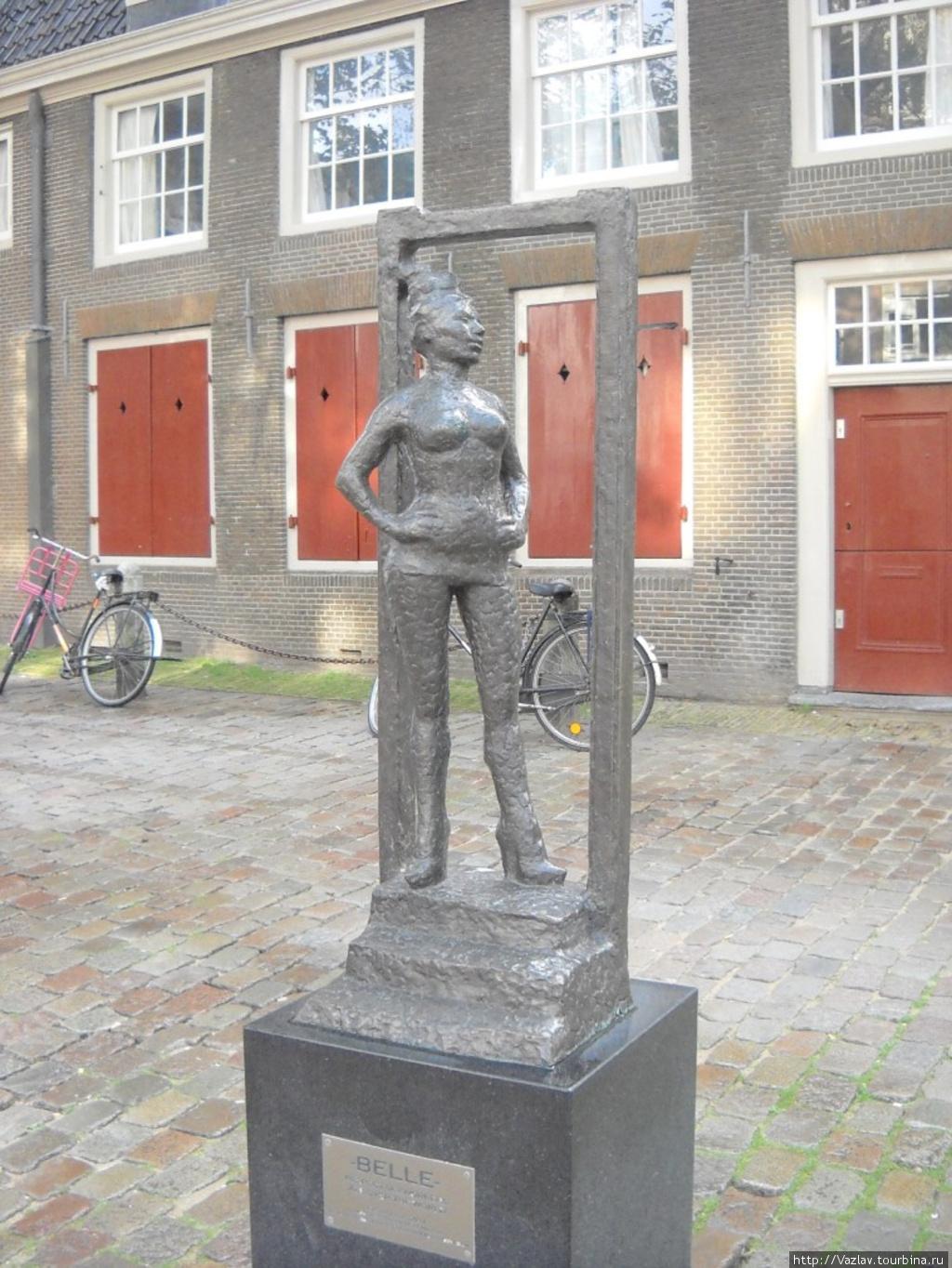 pamyatnik-prostitutke-v-amsterdame