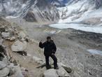 позади Базовый лагерь эверест