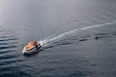 Любимый вид спорта полинезийской молодёжи — перекатываться по волнам за моторными лодками или большими кораблями