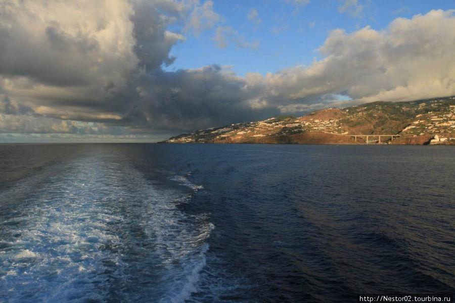 Мадейра. Утро. На пароме в Порту Санто.