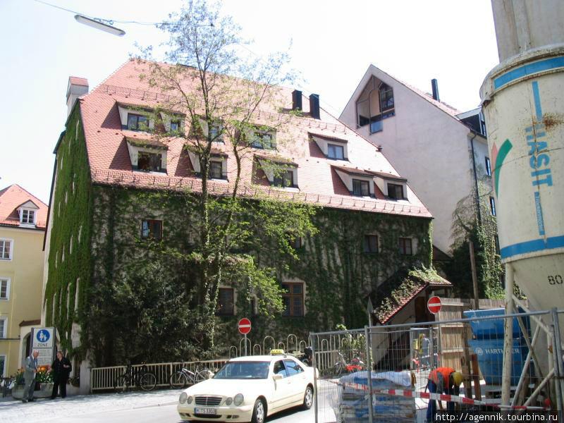 Дом возле Старого Двор