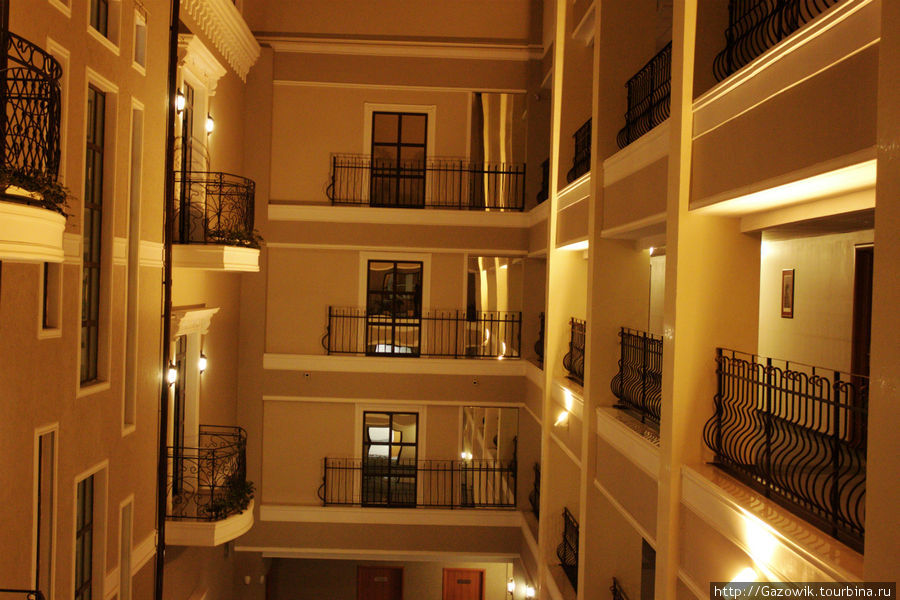 Вид с 4 этажа на ресторан Капелла