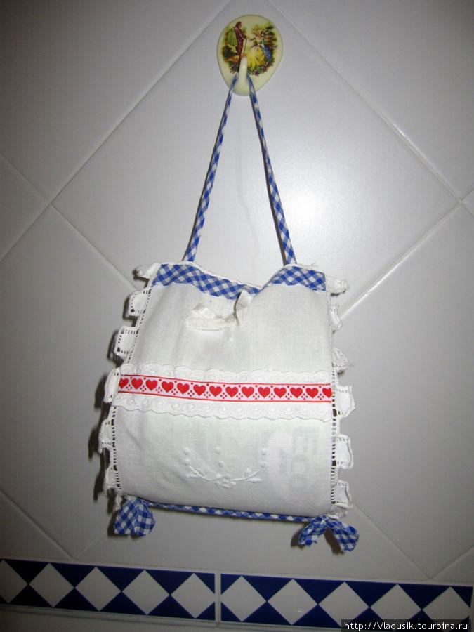 Держатель для запасного рулончика туалетной бумаги