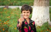 Узбекские дети в атаке с фотоаппаратом