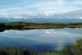 То самое озеро, которое запечатлел знаменитый фотограф Ансель Адамс, с отражением величественной горы Маккинли в нём