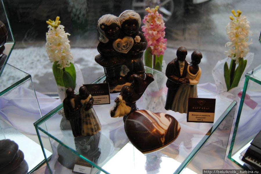 Шоколадные фигурки, на самом деле их выбор очень большой, видов 50 наверное.