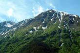 Ещё осталось немного снега на более низких горах