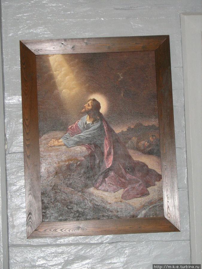 Внутреннее убранство церкви Сигулда, Латвия