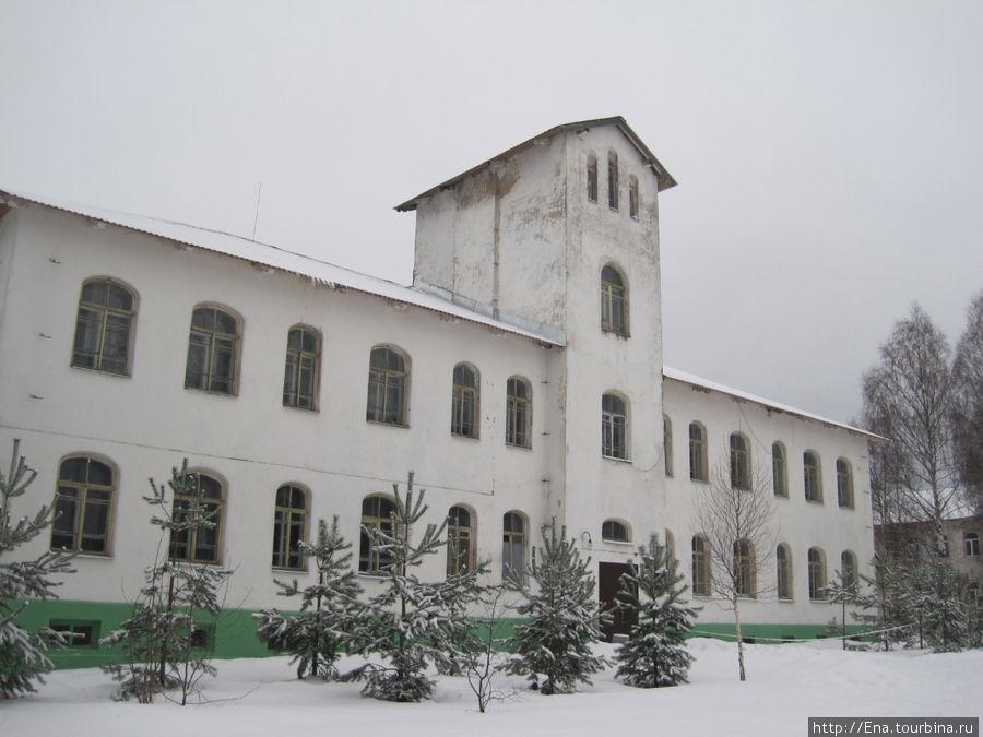 Кукобойская школа — терем-теремок